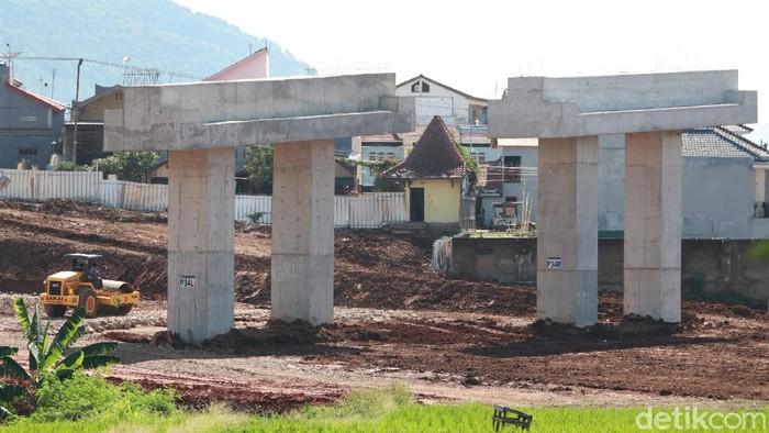 Pembangunan jalan Tol Cileunyi Sumedang Dawuan (Cisumdawu) fase III terus berlangsung. Sudah sampai mana progres pembangunannya?