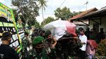 Momen Pemakaman Pratu Firdaus Korban Penembakan di Papua