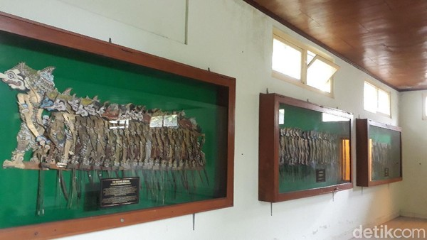 Museum ini dibuat oleh Prof. DR. dr. KPH. Soejono Prawirohadikusumo yang merupakan guru besar Fakultas Kedokteran UGM waktu itu. Dia masih keturunan Kadipaten Pakualaman. Tidak heran banyak koleksi wayang yang dimilikinya. Pada tahun 1991, museum ini diresmikan oleh KGPAA Paku Alam VIII. (Kristina/detikcom)