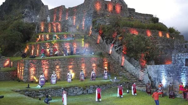 Situs ini biasanya menerima 3.000 wisatawan setiap hari, namun kini kapasitas dibatasi hanya 30%.
