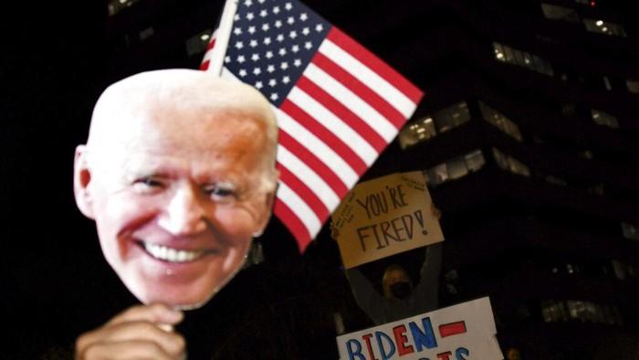 Joe Biden dan Kamala Harris terpilih menjadi Presiden dan Wakil Presiden Amerika Serikat. Para pendukung mereka pun gelar perayaan sambut kemenangan tersebut.