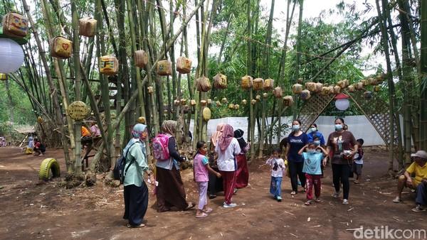 Dulunya tempat wisata ini hanyalah hutan bambu biasa.
