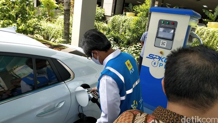 Penyakit Yang Membuat Mobil Listrik Belum Berkembang Di Indonesia