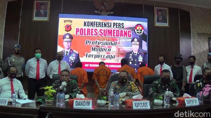 Anggota TNI Dikeroyok di Sumedang