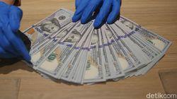 Dolar AS Tekan Rupiah ke Rp 14.335