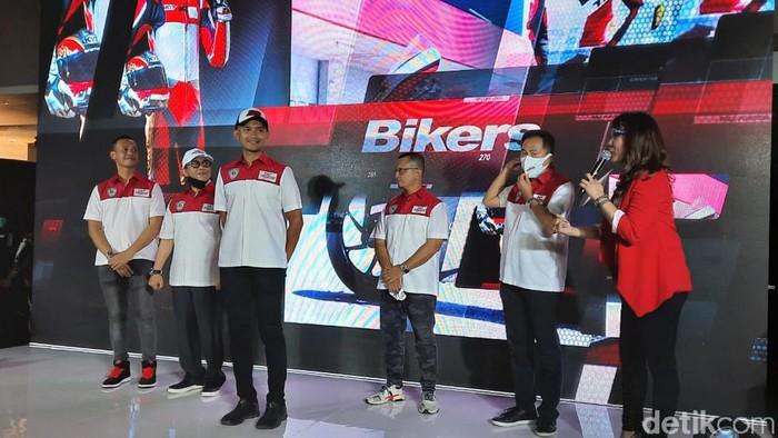 Setelah sempat diundur, Mandalika Racing Team Indonesia hari ini akhirnya resmi diluncurkan pada Senin (9/11/2020) di Moto Village Kemang, Jakarta Selatan.