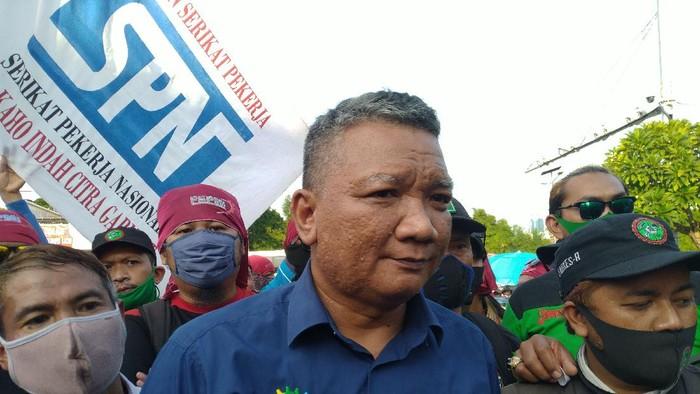 Ketua Harian KSPI Muhammad Rusdi mengungkapkan hasil audiensi dengan DPR terkait legislative review UU Cipta Kerja, Senin (9/11/2020).