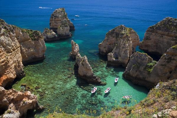 Algarve baru saja mendapat predikat sebagai Destinasi Pantai Terbaik Eropa. (Getty Images/iStockphoto)