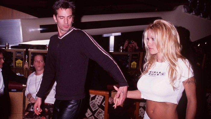 2/15/98 MGM Grand Las Vegas, NV Tommy Lee and Pamela Anderson at the opening of