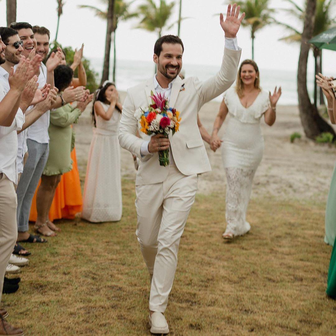 Dr Diogo Rabelo menikahi dirinya sendiri setelah putus cinta.