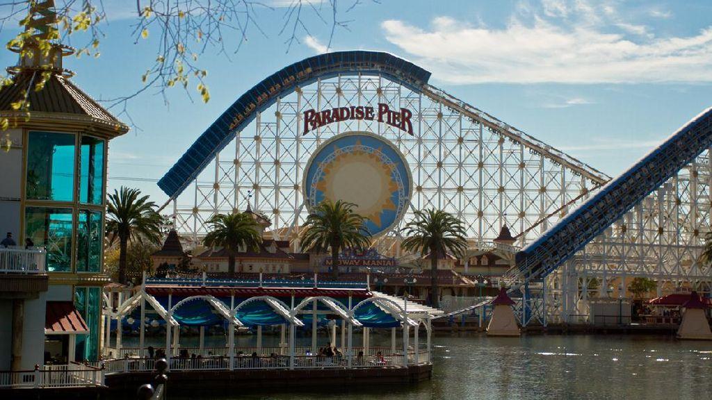 Disneyland California Jadi Tempat Vaksinasi Corona Massal