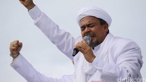 Pekik Takbir Perdana Habib Rizieq Saat Injakkan Kaki di Tanah Air