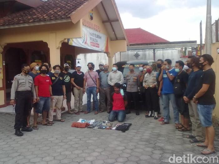 Pelaku pencurian dan kekerasan di Cepu, Jawa Tengah, Selasa (10/11/2020).