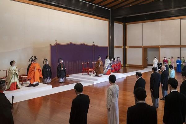 Seharusnya acara pewarisan takhta ini digelar April lalu namun terpaksa ditunda karena adanya pandemi virus Corona. (Foto: Imperial Household Agency of Japan via AP)