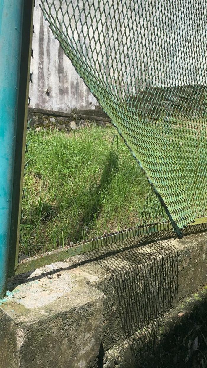 Residivis kembali kabur dari lapas. Kali ini dia merusak pagar kawat dan kabur dari Lapas Narkotika Jayapura (dok istimewa)