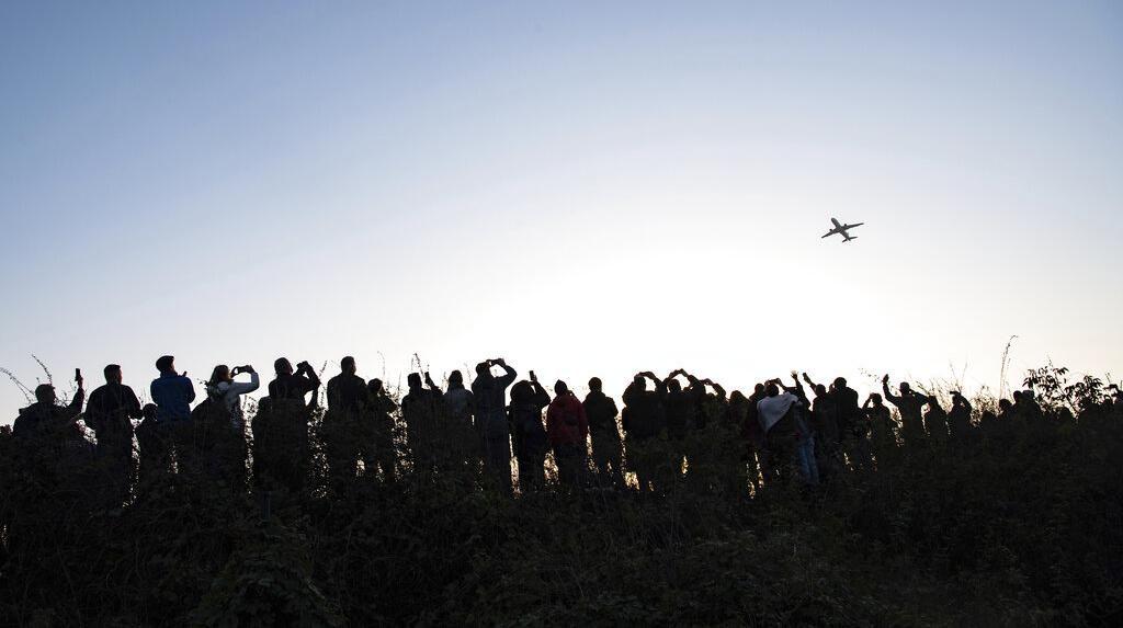 Tutup Usai 60 Tahun, Ini Momen Penerbangan Terakhir di Bandara Tegel Berlin