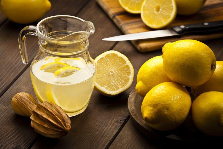 Apa Benar Minum Air Lemon Bisa Turunkan Berat Badan?