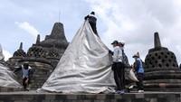 Penutupan candi Borobudur ini dilakukan oleh Balai Konservasi Borobudur (BKB).