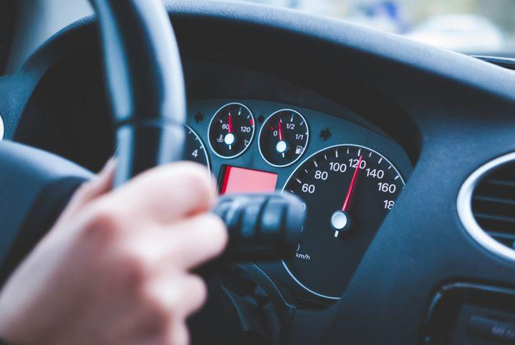 Demi Beli Durian, Pria Ini Ngebut Bawa Mobil 160 Km/Jam!