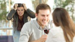 Dibohongi Pria Hidung Belang, Wanita Ini Undang Istrinya ke Kencan Mereka