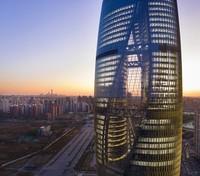 Dari Rusia, kita mampir ke Beijing, China. Di sana terdapat gedung pencakar langit bernama Leeza SOHO yang tingginya mencapai 207 meter. Gedung perkantoran dengan bentuk bulat dengan desain dalam yang memutar. (Foto: Hufton+Crow)