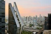 Peringkat terakhir ditempati Rosewood di Bangkok. Gedung ini memiliki arsitektur yang terinspirasi gestur orang Thailand dalam memberi salam. (Foto:Connie Zhou)