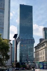 Berlanjut ke Frankfurt, Jerman ada gedung pencakar langit unik bernama Omniturm. Tinggi gedung adalah 190 meter dan merupakan gedung tertinggi ke-6 di sana. (Foto:Tim Bindels)