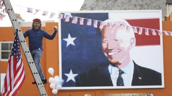 10 dari 16 buyut Joe Biden juga lahir di Irlandia. Irlandia pun jadi negara yang cukup penting dari sisi historis bagi Joe Biden. (AP Photo/Peter Morrison)