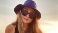 Luna Maya Beri Klarifikasi Soal Foto dengan Cowok Muda