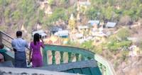 Populasi terbesar ada di Gunung Popa, rumah bagi lebih dari 100 lutung. Gunung Popa adalah situs ziarah suci nan sakral yang juga merupakan rumah bagi suaka margasatwa yang penting, tetapi Lutung Popa tetap terancam punah karena degradasi lahan (Foto: iStock)