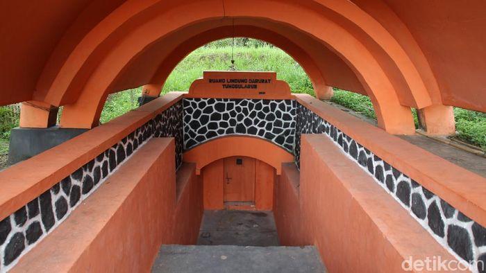 Bangunan ruang lindung darurat (Rulinda) atau bunker di Dusun Tunggularum, Turi, Sleman, Yogyakarta masih beroperasi hingga saat ini.