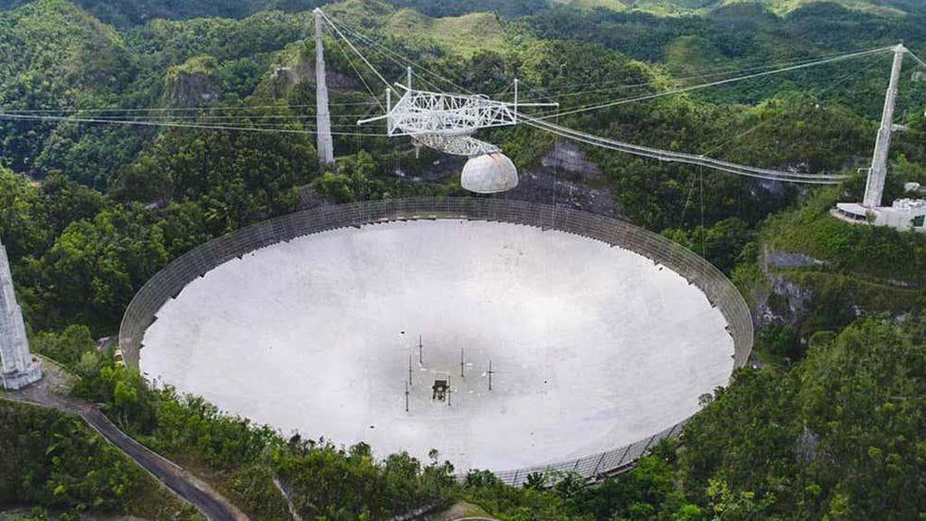 Teleskop Raksasa Pelacak Alien Roboh
