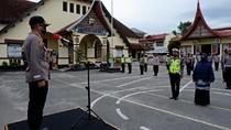 Polisi-Emak Cegah Prajurit TNI Dikeroyok Klub Moge Diberi Penghargaan