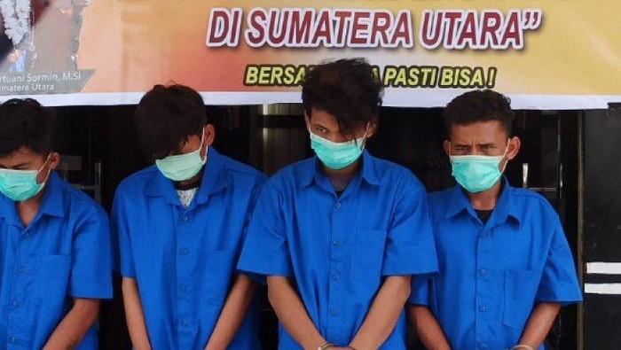 Polres Toba, Sumatera Utara mengamankan empat tersangka kasus rupapaksa secara bergiliran terhadap seorang siswi SMK di Kabupaten Toba berinisial FS (17). (ANTARA/HO)