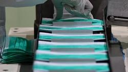 Guna memenuhi kebutuhan masyarakat selama pandemi COVID-19, pabrik masker bedah ini mampu memproduksi dan memenuhi kebutuhan masyarakat disaat seperti ini.