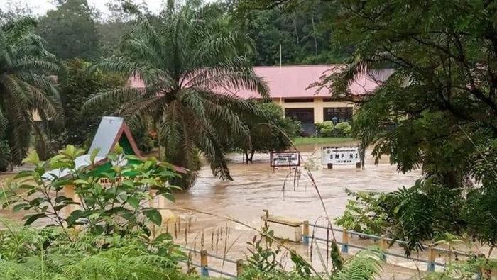 Ratusan rumah warga di Kuansing terendam. (ANTARA/dok)