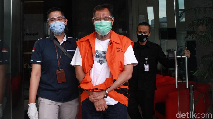 Mantan Wakil Bendahara Umum PPP Puji Suhartono diperiksa KPK. Ia diperiksa terkait kasus dugaan tindak pidana korupsi yang menjerat dirinya.