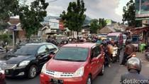 Gudang Kapas Terbakar, Jalan AH Nasution Bandung Macet