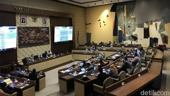 RDP Komisi II dengan KPU-Bawaslu bahas revisi PKPU Pilkada 2020