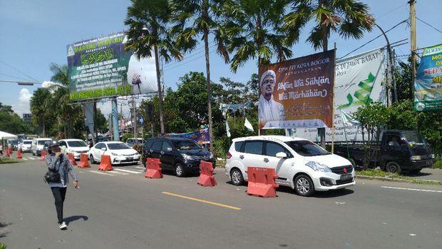 Lalu lintas arah Puncak, Bogor yang sempat dialihkan kini normal kembali.