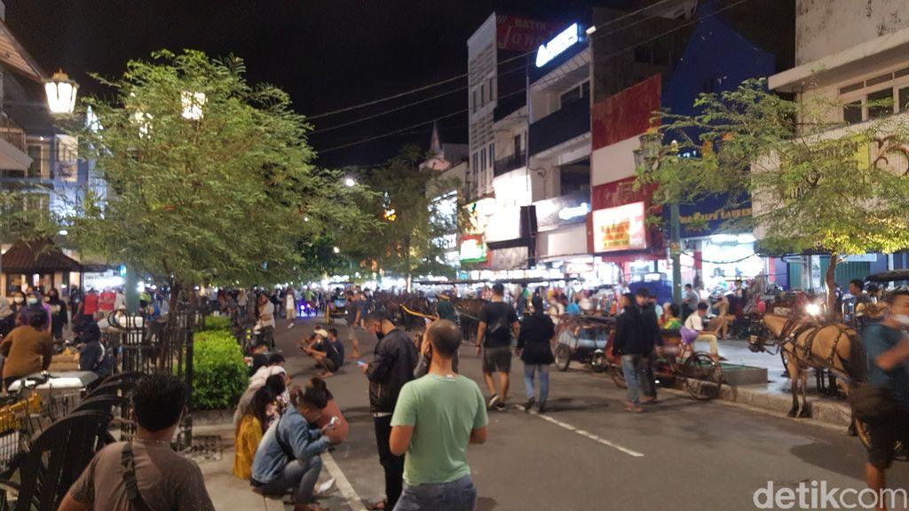 malioboro malam hari tanpa kendaraan