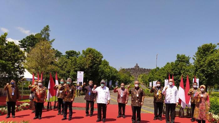 Menteri PUPR Basuki Hadimuljono mengecek penataan kawasan Borobudur