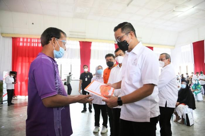 Menteri Sosial Juliari P Batubara bertandang ke Sumatera Utara untuk memantau proses penyaluran bantuan sosial tunai (BST) ke masyarakat terdampak COVID-19.