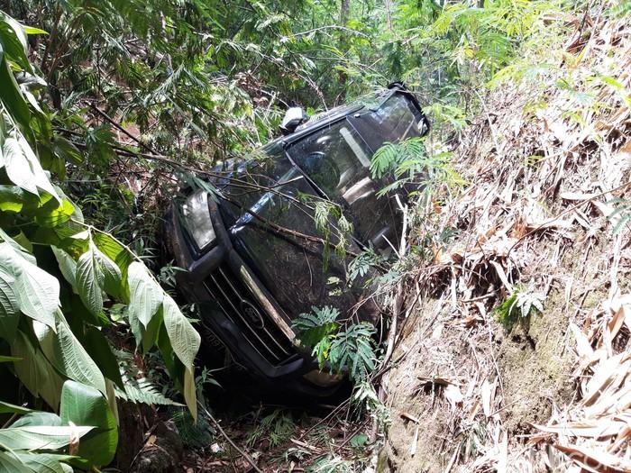 Mobil SUV terjun bebas ke jurang sedalam 50 meter di tikungan Irung Petruk, Boyolali, Jumat (13/11/2020).