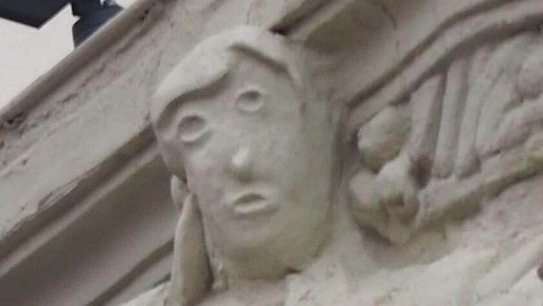 Patung di Palentia