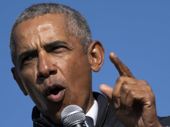 Pemilu AS: Barack Obama sebut tuduhan kecurangan Pilpres AS melemahkan demokrasi