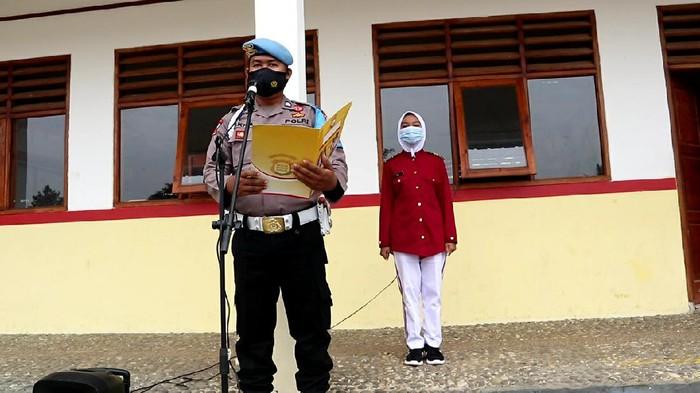 Polisi di Sukabumi membangun sekolah dan menggratiskan biaya untuk warga tak mampu