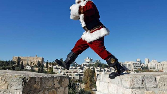 Santa Claus di Italia (AFP Photo)
