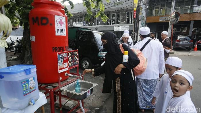 Acara Maulid Nabi yang dihadiri Habib Rizieq di Tebet, Jakarta Selatan, telah selesai. Jemaah juga telah bubarkan diri dari lokasi acara.