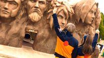 Potret Taman Rekreasi Anime Naruto-Godzilla di Jepang